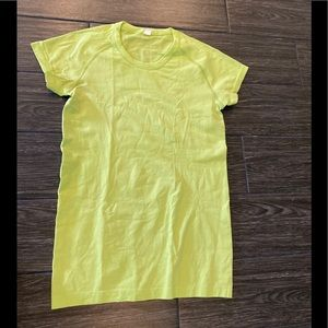 Lululemon Swiftly Tech SS Crew in Yellow Green